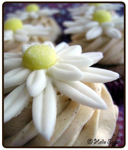 chai cupcakes med prästkragar