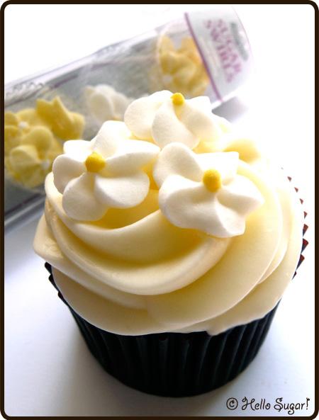 cupcake med sugar swirls