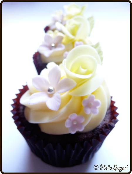 choklad och banancupcakes med vit choklad frosting