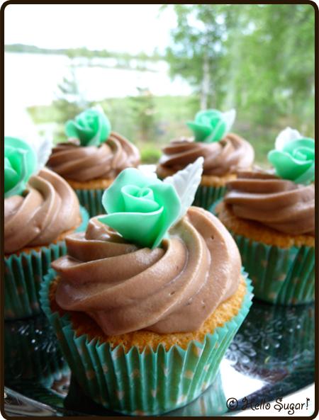 mandelcupcakes med mjölkchokladfrosting