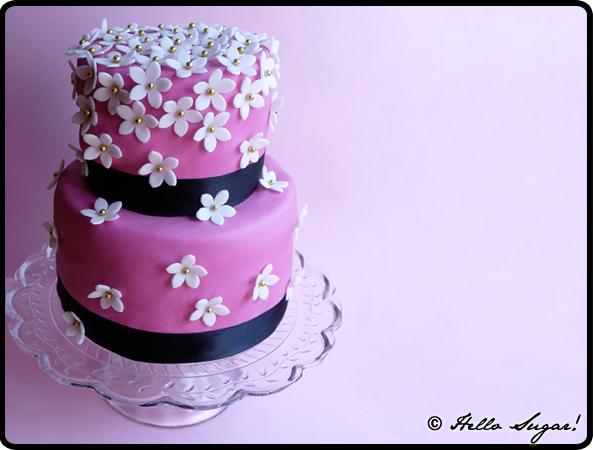 rosa våningstårta