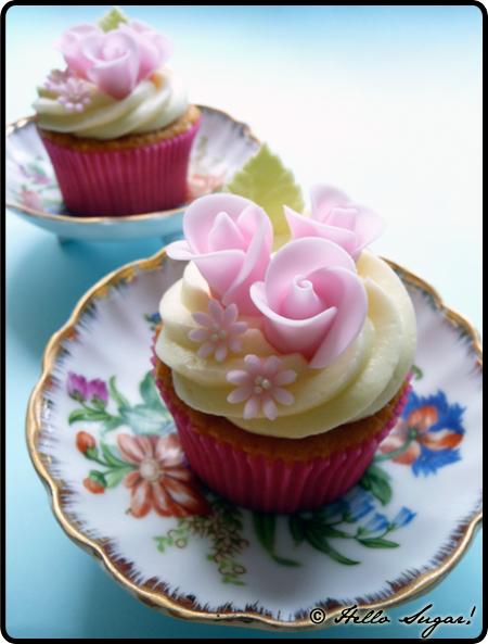 cupcakes med rosenknoppar