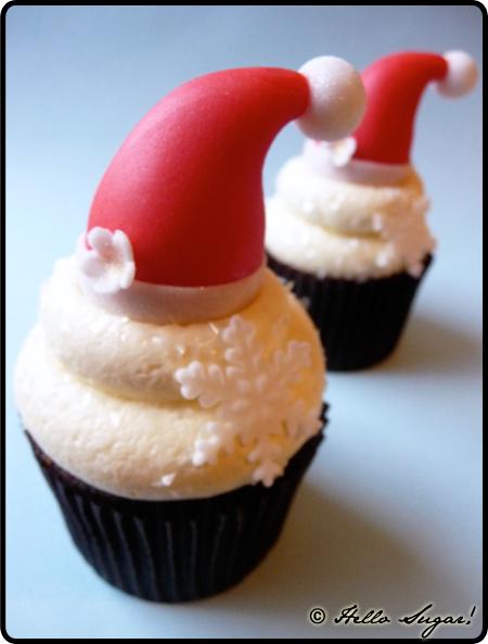 santa hats cupcakes